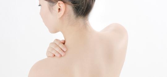 背中に炎症ニキビが出来たら……対策はどうする?サッポー美肌塾がアプリになりました(1)